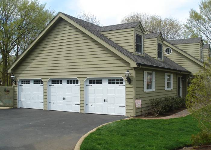 North Hatley, 9' x 7', Carriage House SP, Ice White, Orion 8 lites